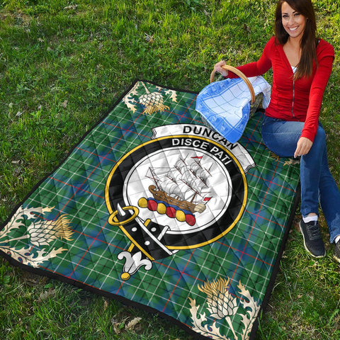 Duncan Ancient Clan Crest Tartan Scotland Thistle Gold Pattern Premium Quilt K9