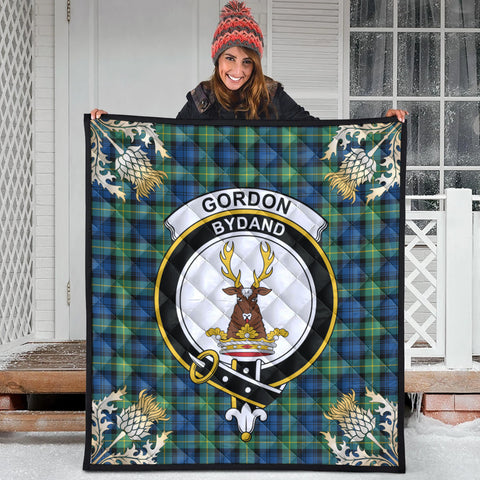 Gordon Ancient Clan Crest Tartan Scotland Thistle Gold Pattern Premium Quilt