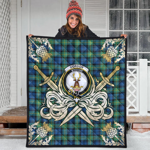 Gordon Ancient Clan Crest Tartan Scotland Thistle Symbol Gold Royal Premium Quilt
