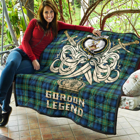 Gordon Ancient Clan Crest Tartan Scotland Clan Legend Gold Royal Premium Quilt K9
