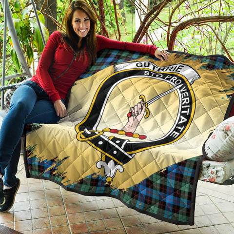 Guthrie Ancient Clan Crest Tartan Scotland Gold Royal Premium Quilt K9