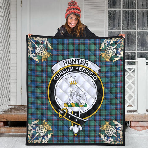 Hunter Ancient Clan Crest Tartan Scotland Thistle Gold Pattern Premium Quilt