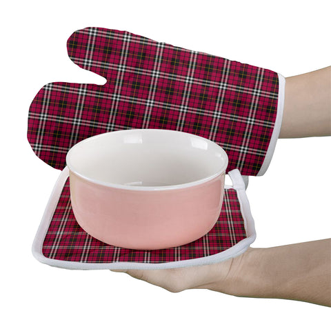 Little Clan Tartan Scotland Oven Mitt And Pot-Holder (Set Of Two)