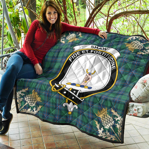 Shaw Ancient Clan Crest Tartan Scotland Thistle Gold Pattern Premium Quilt K9