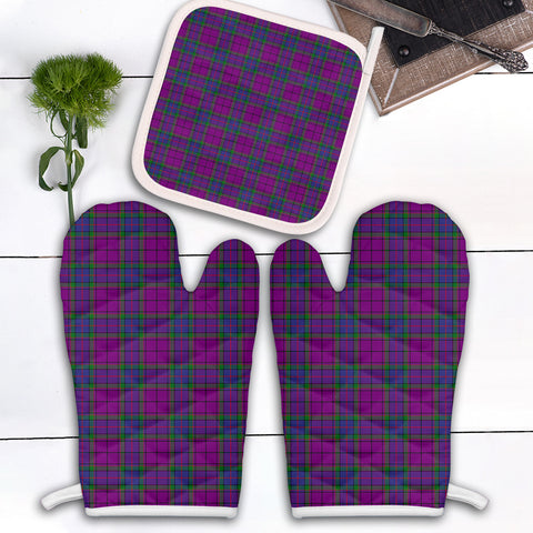Wardlaw Modern Clan Tartan Scotland Oven Mitt And Pot-Holder (Set Of Two)
