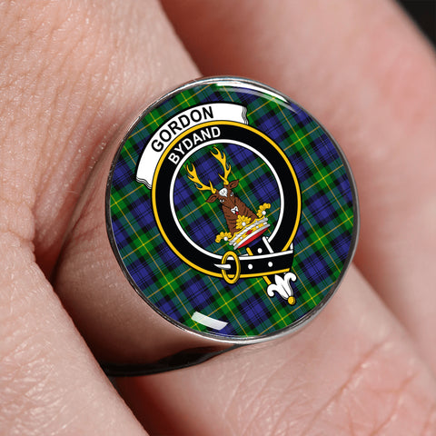 Image of Gordon Modern Tartan Crest Ring | scottishclans.co