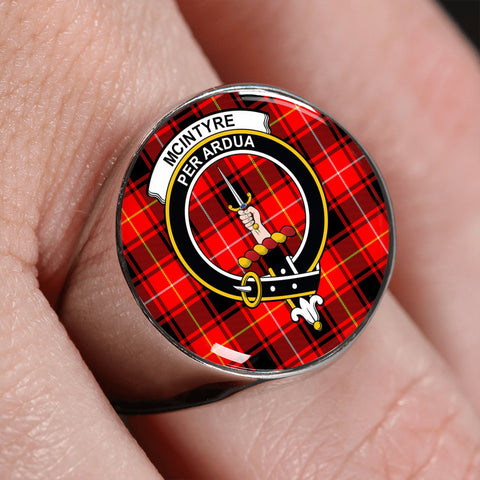 Image of McIntyre Modern Tartan Crest Ring | scottishclans.co