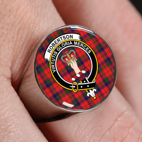 Image of Robertson Modern Tartan Crest Ring | scottishclans.co