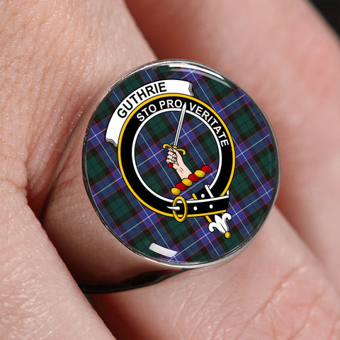 Guthrie Modern Tartan Crest Ring | scottishclans.co