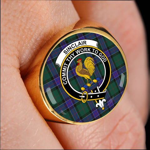 Image of Sinclair Hunting Modern Tartan Crest Ring TH8
