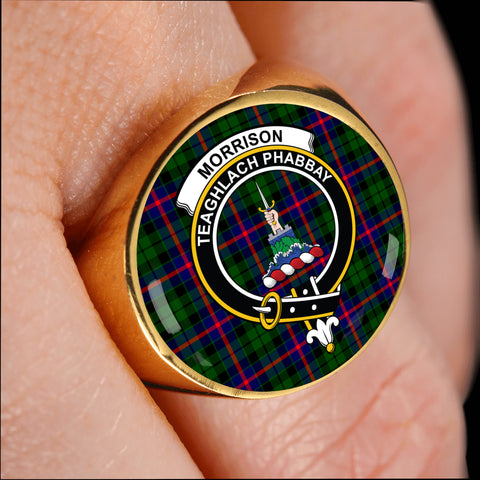 Morrison Modern crest ring tartan gold on finger