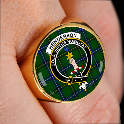 Image of Henderson Modern crest ring tartan gold on finger