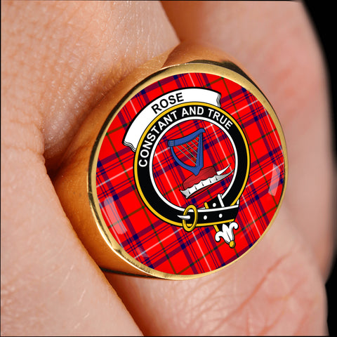 Image of Rose crest ring tartan gold on finger