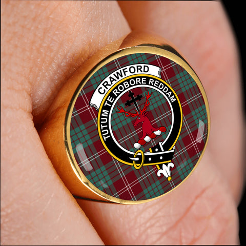 Image of Crawford Modern crest ring tartan gold on finger