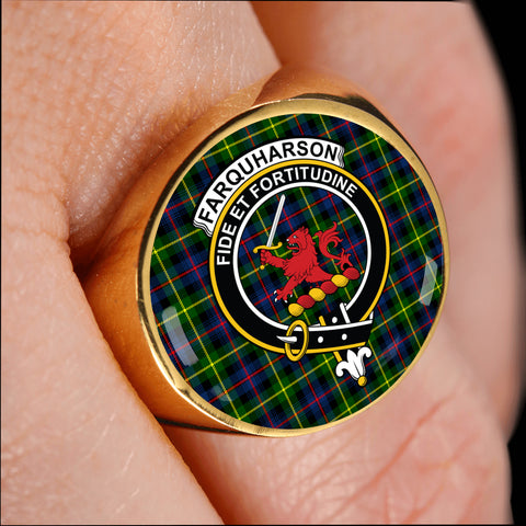 Image of Farquharson Modern crest ring tartan gold on finger