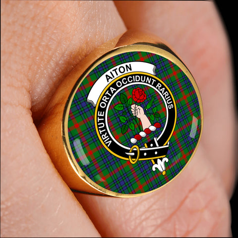 Aiton crest ring tartan gold on finger