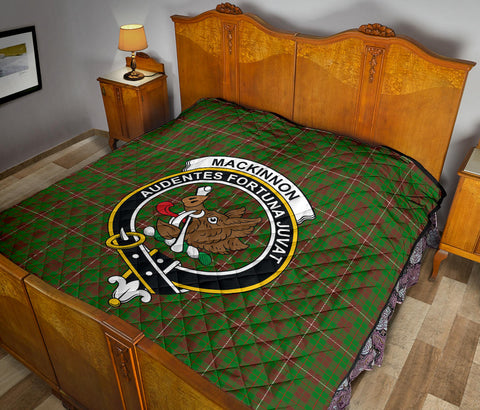MacKinnon Hunting Modern Tartan Clan Badge Premium Quilt TH8