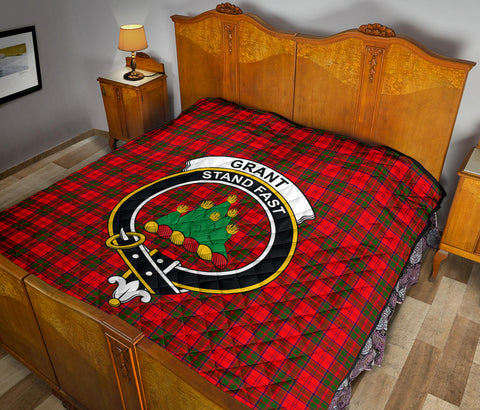 Grant Modern Tartan Clan Badge Premium Quilt TH8