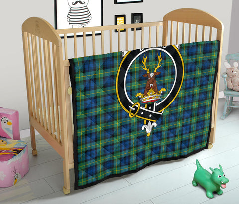 Image of Gordon Ancient Tartan Clan Badge Premium Quilt TH8