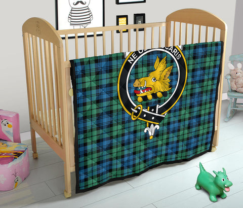 Image of Campbell Ancient 01 Tartan Clan Badge Premium Quilt TH8