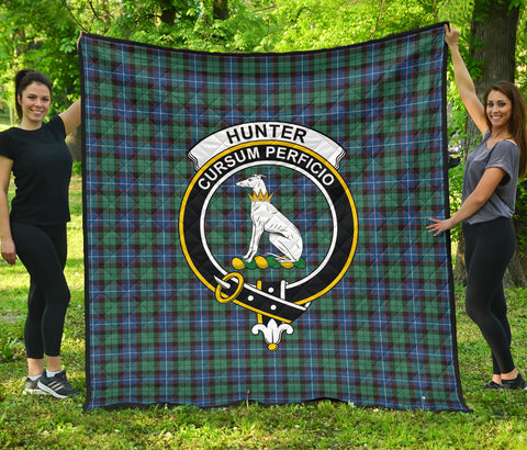 Hunter Ancient Tartan Clan Badge Premium Quilt | Scottishclans.co
