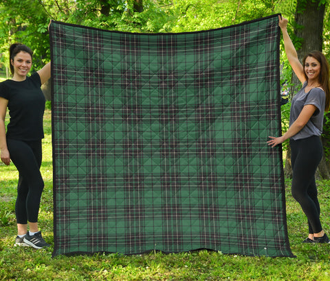 Image of MacLean Hunting Ancient Tartan Premium Quilt | Scottishclans.co