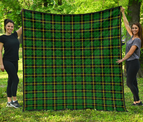 Wallace Hunting - Green Tartan Premium Quilt | Scottishclans.co