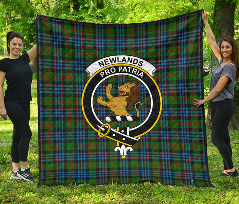 Image of Newlands of Lauriston Tartan Clan Badge Premium Quilt | Scottishclans.co