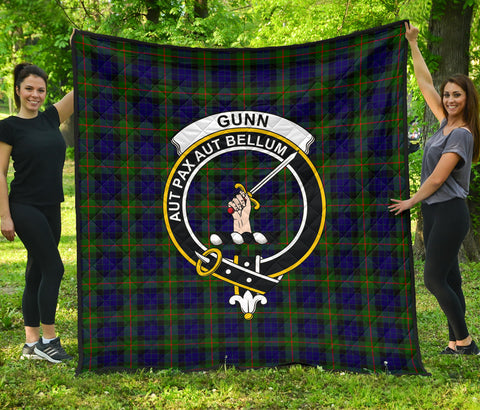 Image of Gunn Modern Tartan Clan Badge Premium Quilt | Scottishclans.co