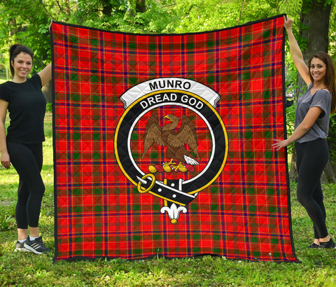 Image of Munro Modern Tartan Clan Badge Premium Quilt | Scottishclans.co