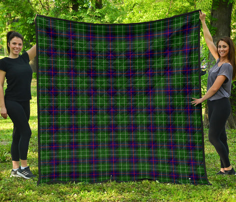 Image of Leslie Hunting Tartan Premium Quilt | Scottishclans.co