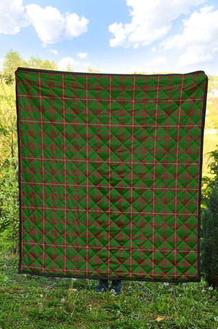 Image of MacKinnon Hunting Modern Tartan Premium Quilt TH8