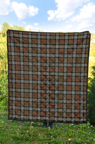 MacLaren Weathered Tartan Premium Quilt TH8