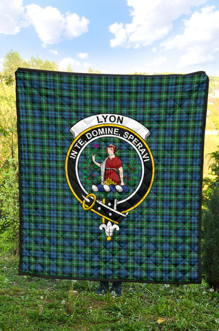 Lyon Clan Tartan Clan Badge Premium Quilt TH8