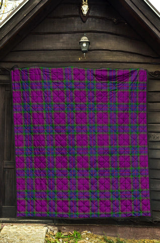 Image of Wardlaw Modern Tartan Premium Quilt TH8