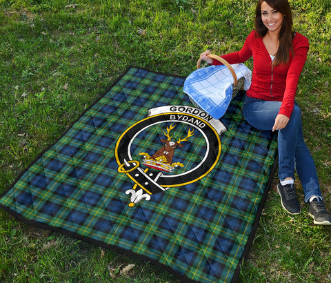 Gordon Ancient Tartan Clan Badge Premium Quilt TH8