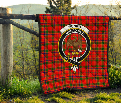 Munro Modern Tartan Clan Badge Premium Quilt TH8