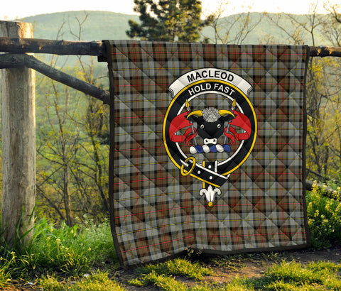 MacLeod of Harris Weathered Tartan Clan Badge Premium Quilt TH8