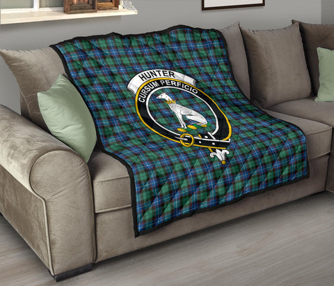 Hunter Ancient Tartan Clan Badge Premium Quilt TH8