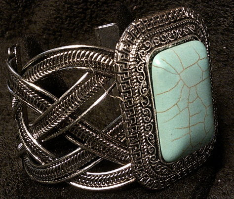 VINTAGE HOLLOW METAL BANGLE TURQUOISE BANGLE BRACELET WOMEN FASHION ANTIQUE SILVER