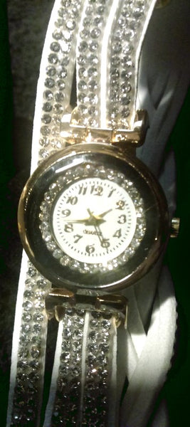 WOMEN RHINESTONE QUARTZ MOVEMENT WRISTWATCH GOLD TONE CASE