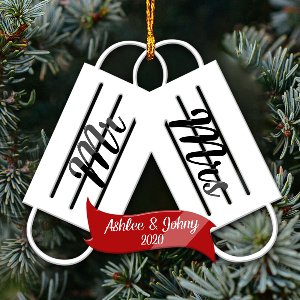 Mr & Mrs 2020 Mica/ Wooden Ornaments personalized name aanh26102001-02