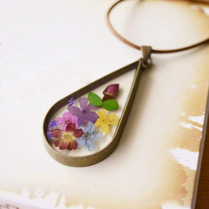 "Necklace and Pendant ""Floral Joy"""