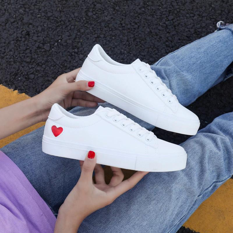 HighTone™ Heart Solid White Sneakers