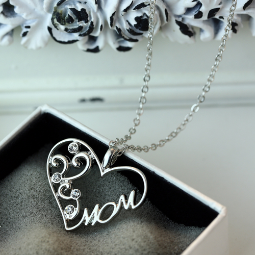 "Heart-shaped ""Mom"" Necklace - HighToneJewelry"
