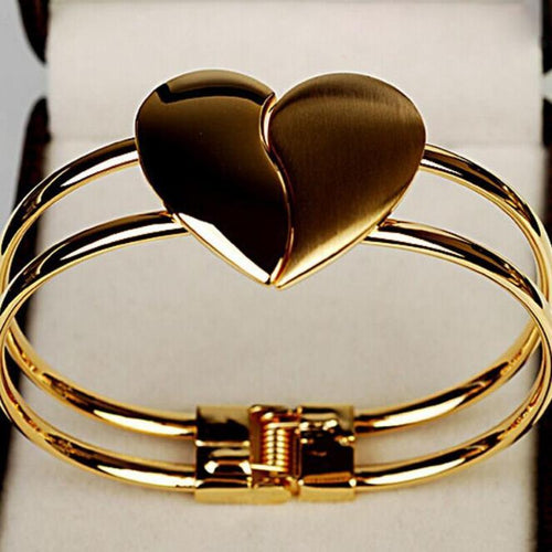 Gold Heart Love Bracelet - HighToneJewelry