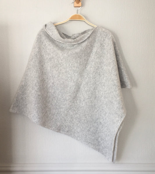 Capelet / poncho soft merino lambswool silver grey