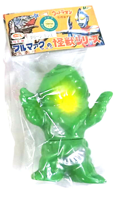 Bullmark Green Mons Sofubi Fake Ultraman Soft Vinyl Figure Collectible M1go