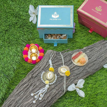 Pretty Petite Box with 5 gms Pearl Bhaiya Bhabhi Rakhi & Chocolates