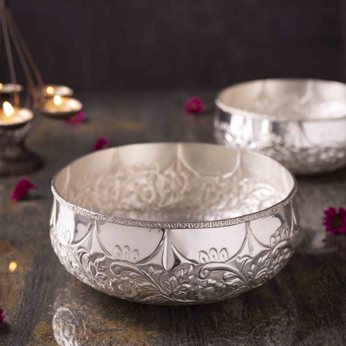 Decorative Silver Plated Urli